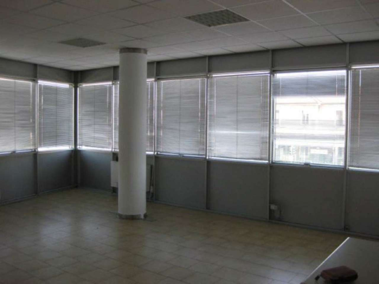 Ufficio / Studio in affitto a Bareggio, 1 locali, prezzo € 600 | CambioCasa.it