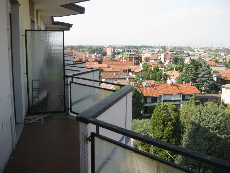 Bilocale Cornaredo Via Mazzini 2