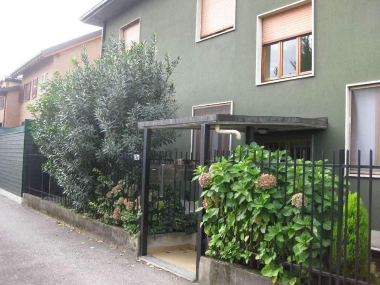 Ufficio / Studio in affitto a Cornaredo, 3 locali, prezzo € 550 | Cambio Casa.it