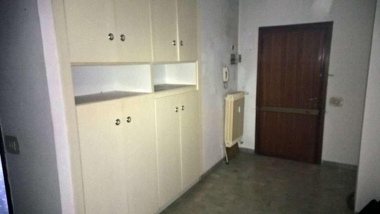 Appartamento in affitto a Magenta, 2 locali, prezzo € 500 | Cambio Casa.it
