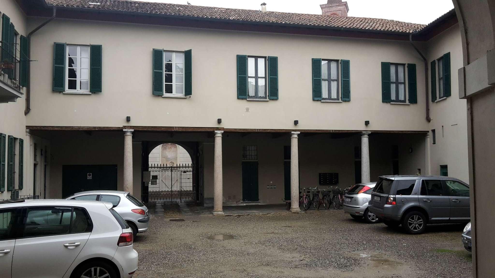 Ufficio / Studio in affitto a Abbiategrasso, 6 locali, prezzo € 1.200   CambioCasa.it