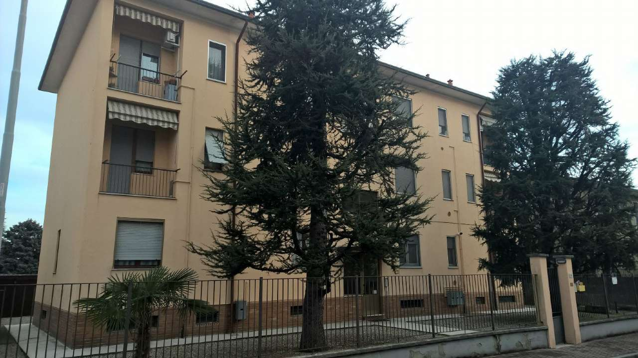 Appartamento in affitto a Vittuone, 2 locali, prezzo € 450 | Cambio Casa.it