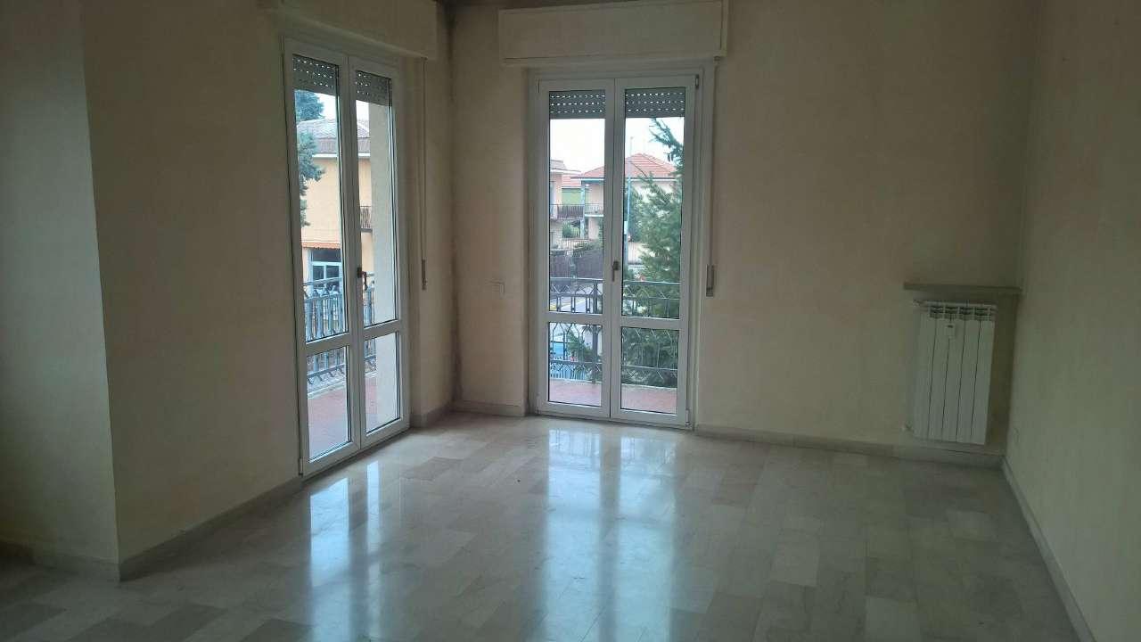 Appartamento in affitto a Magenta, 3 locali, prezzo € 700 | CambioCasa.it
