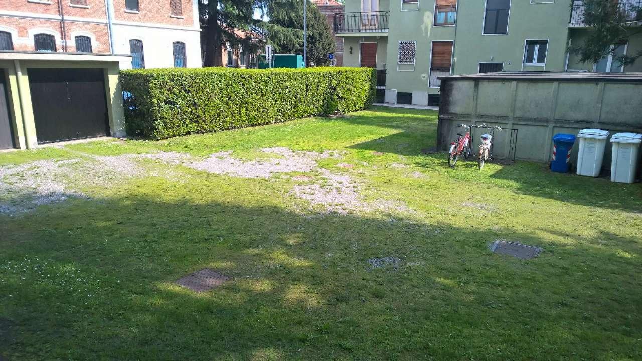 Appartamento in affitto a Vanzago, 2 locali, prezzo € 450 | Cambio Casa.it