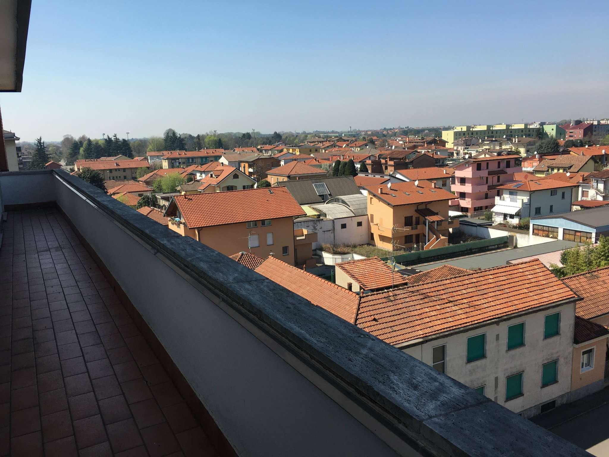 Appartamento in affitto a Bareggio, 3 locali, prezzo € 550 | CambioCasa.it