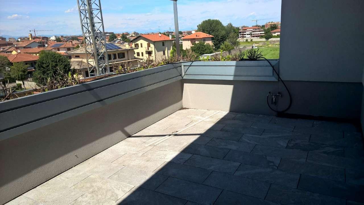Appartamento in vendita a Magenta, 4 locali, prezzo € 350.000 | CambioCasa.it