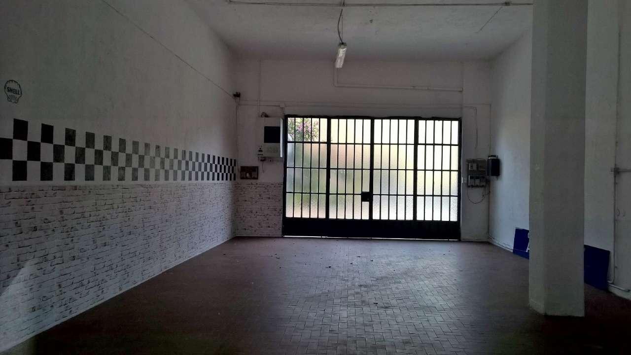 Negozio / Locale in affitto a Abbiategrasso, 2 locali, prezzo € 1.100   CambioCasa.it