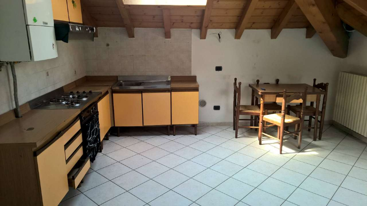 Appartamento in affitto a Corbetta, 3 locali, prezzo € 500 | CambioCasa.it