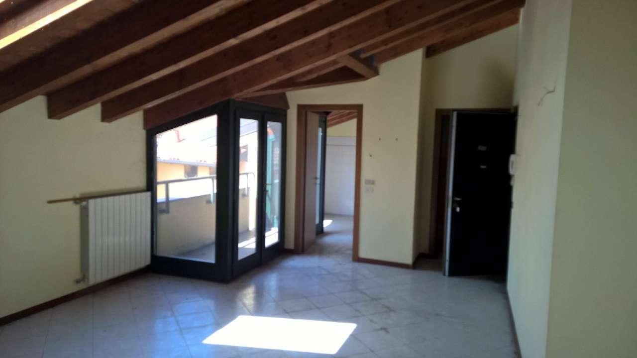 Appartamento in vendita a Cuggiono, 3 locali, prezzo € 183.000 | CambioCasa.it
