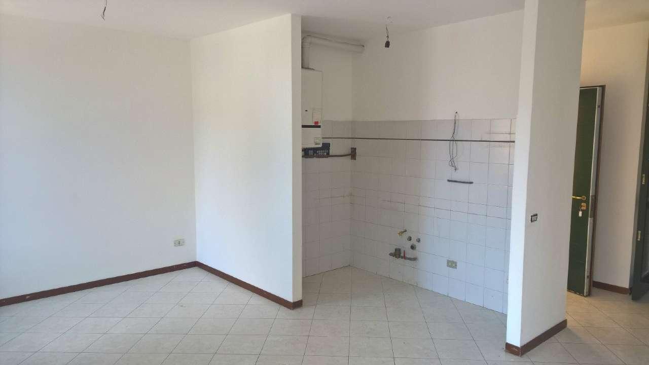 Appartamento in vendita a Cuggiono, 3 locali, prezzo € 134.000 | CambioCasa.it