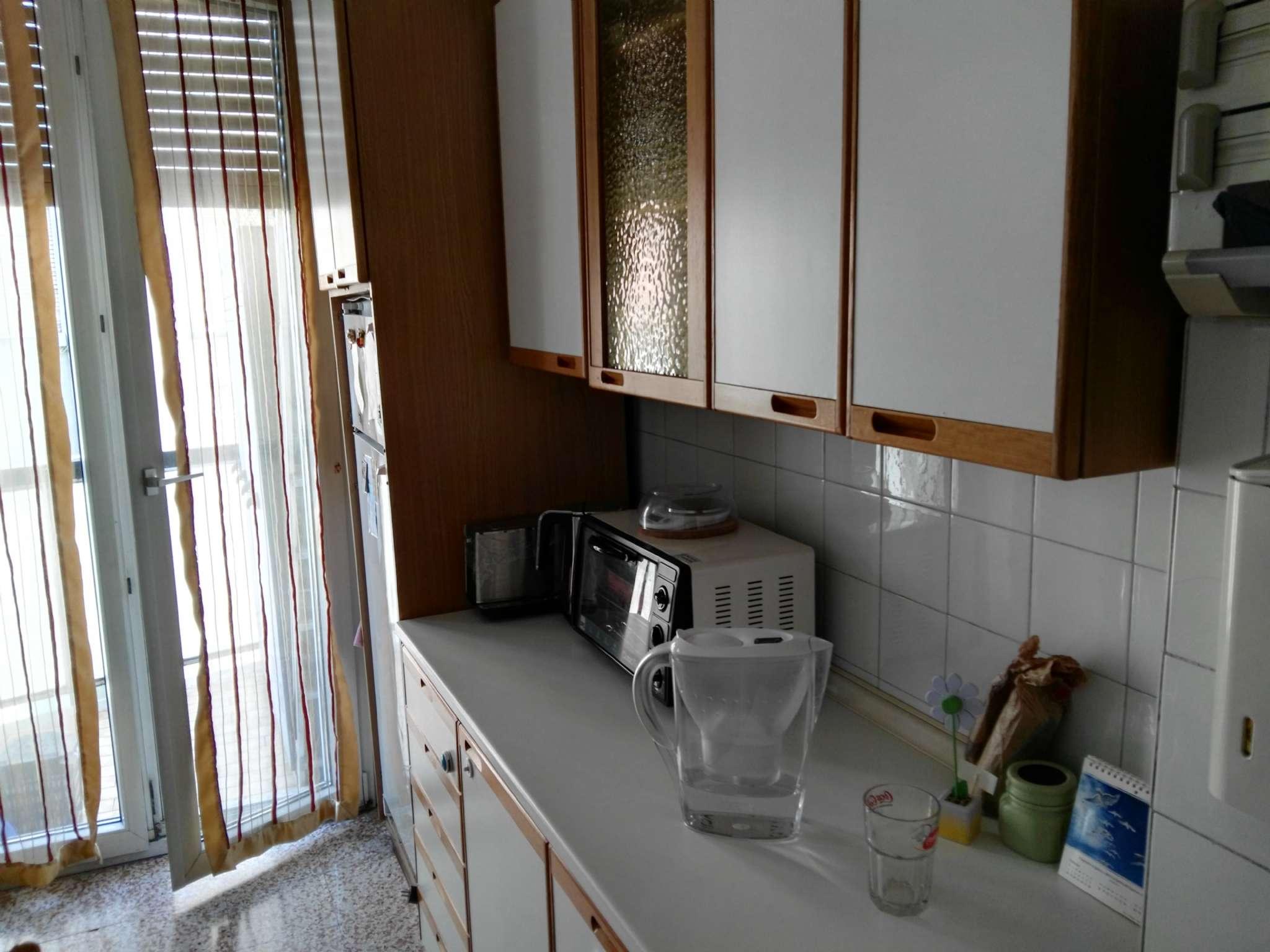 Appartamento in affitto a Milano, 2 locali, zona Zona: 14 . Lotto, Novara, San Siro, QT8 , Montestella, Rembrandt, prezzo € 800 | CambioCasa.it
