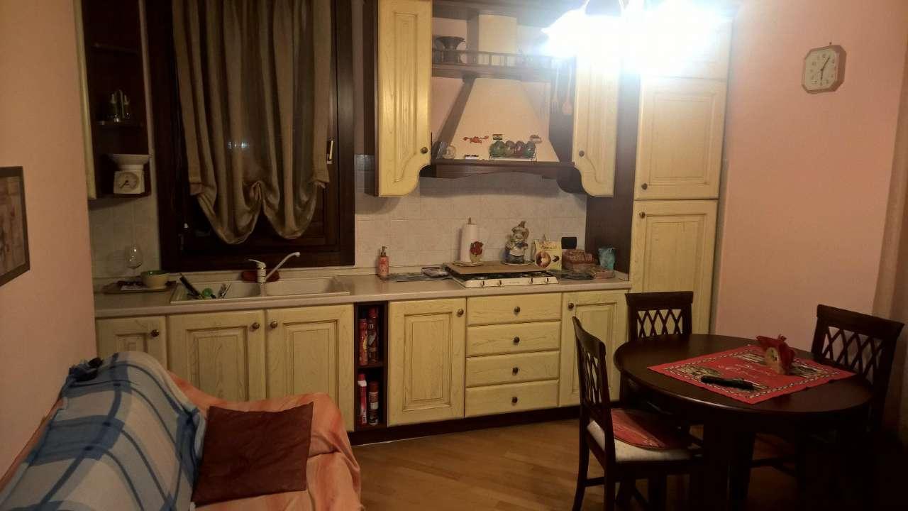 Appartamento in affitto a Bareggio, 2 locali, prezzo € 550 | CambioCasa.it