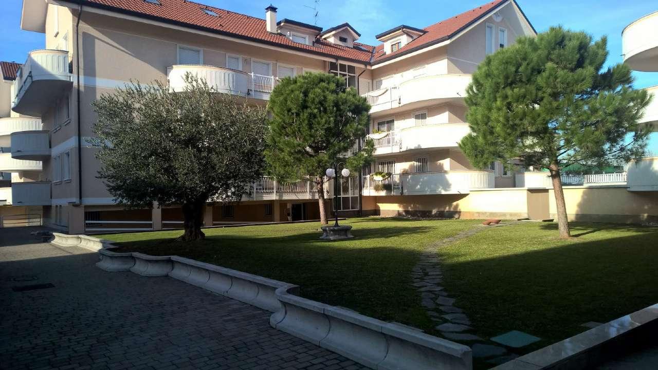 Appartamento in affitto a Bareggio, 1 locali, prezzo € 450 | CambioCasa.it