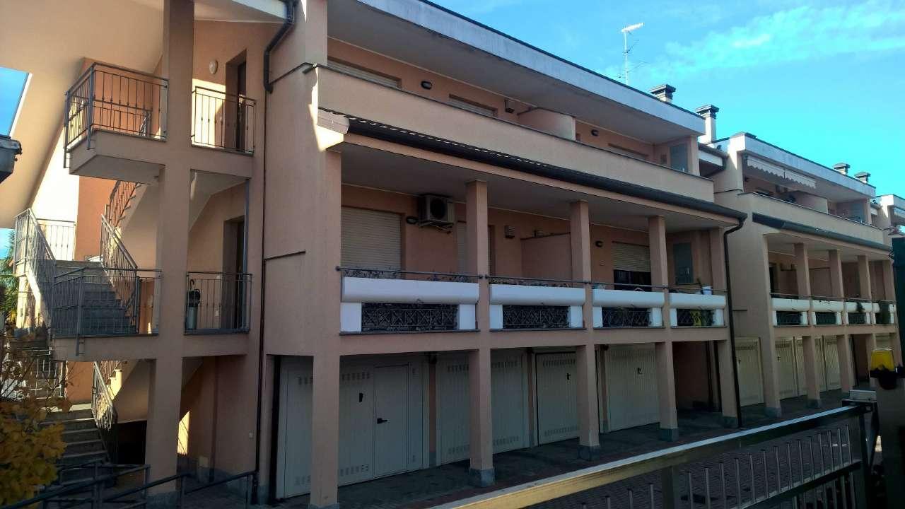 Appartamento in affitto a Bareggio, 3 locali, prezzo € 600 | CambioCasa.it