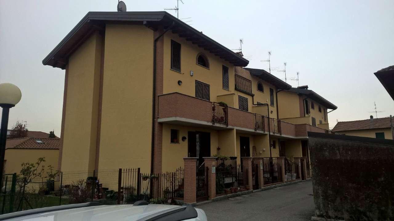 Villa a Schiera in affitto a Corbetta, 5 locali, prezzo € 900 | CambioCasa.it