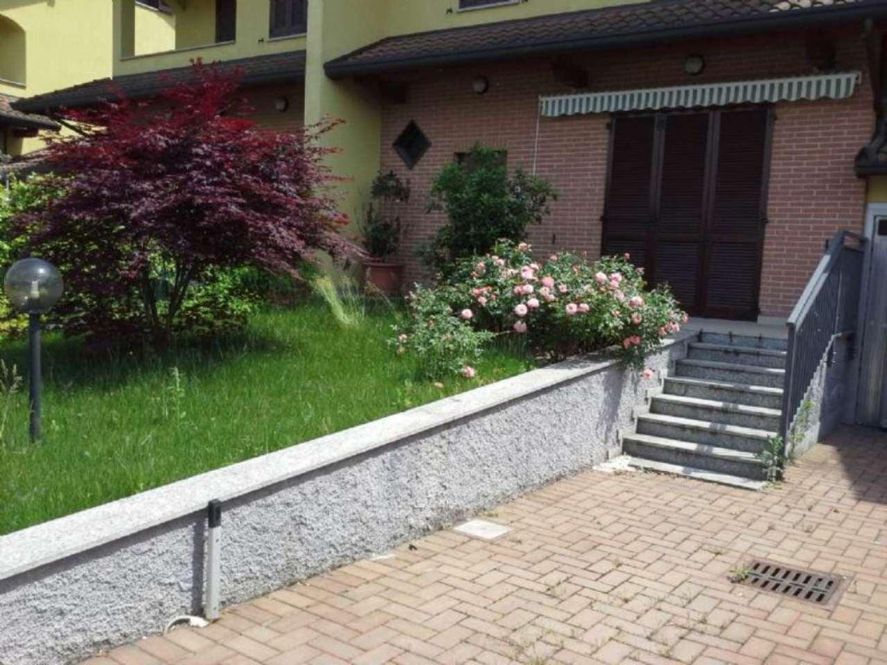 Villa a Schiera in affitto a Bernate Ticino, 6 locali, prezzo € 1.100 | Cambio Casa.it