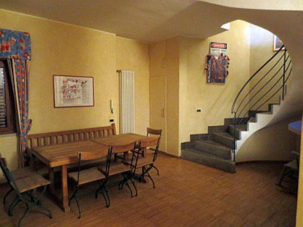 Villa in affitto a Pino Torinese, 7 locali, prezzo € 1.300 | CambioCasa.it