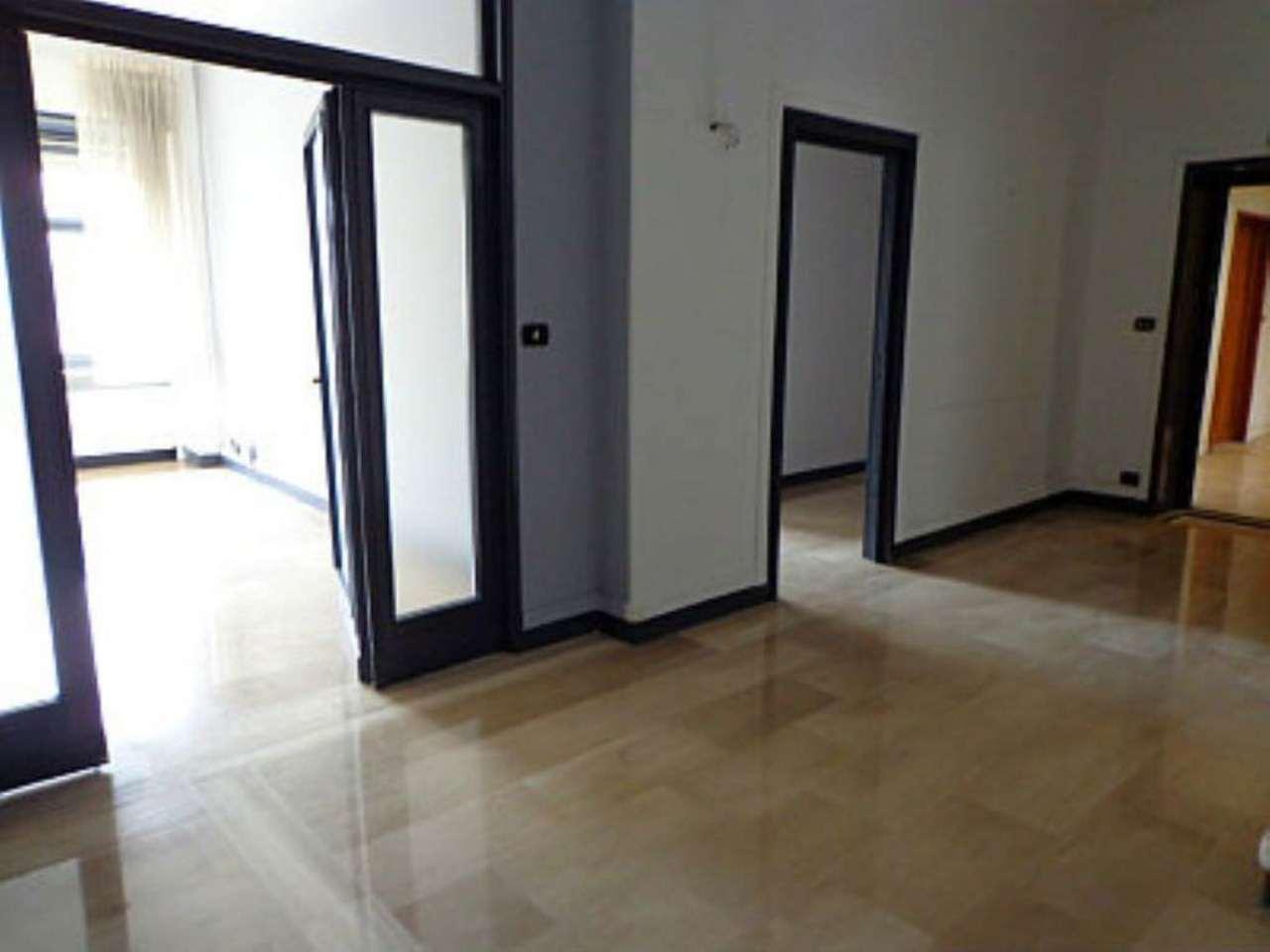 Bilocale Torino Corso Matteotti 9