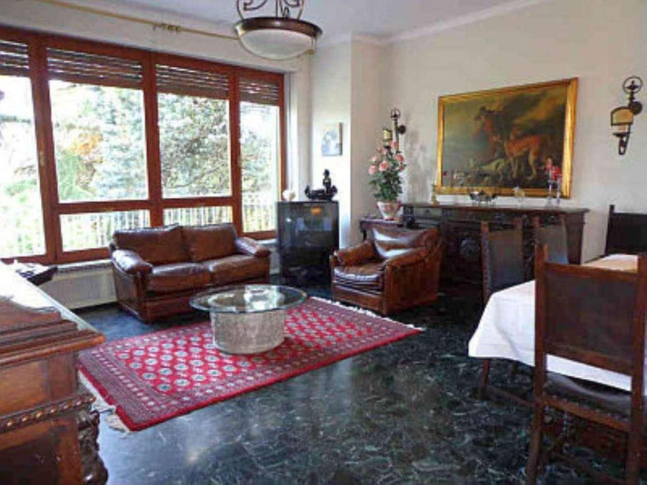 Villa in vendita a Moncalieri, 11 locali, prezzo € 420.000 | CambioCasa.it