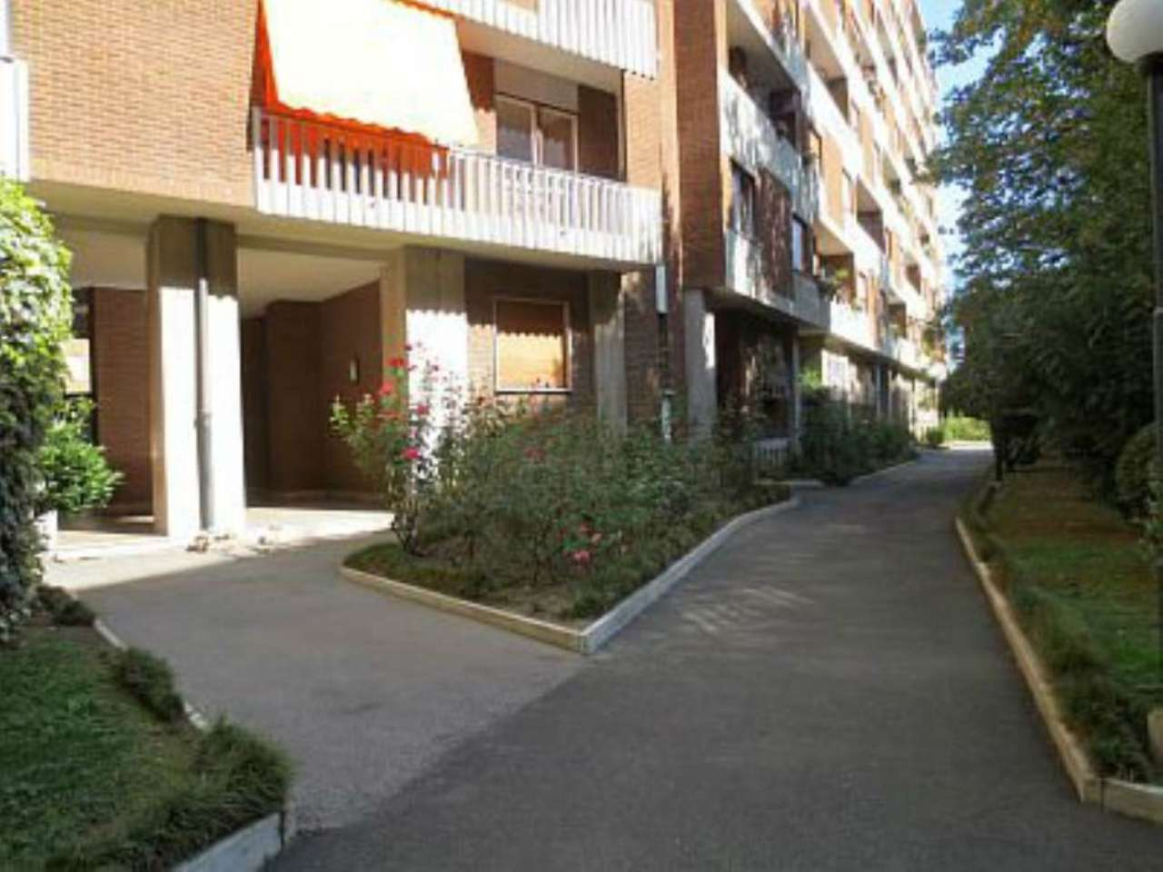 Bilocale Torino Corso Telesio 1