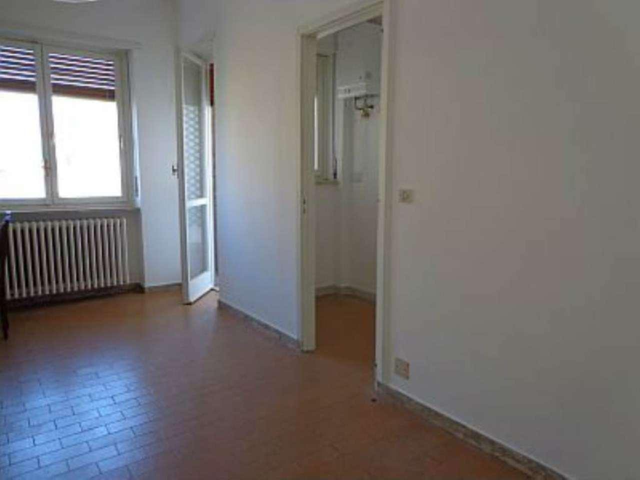 Bilocale Torino Corso Telesio 8