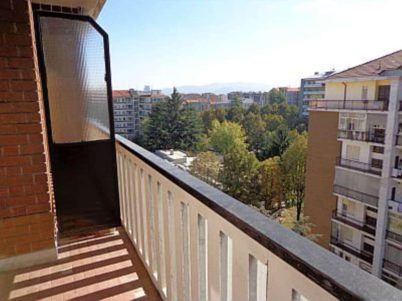 Bilocale Torino Corso Telesio 10