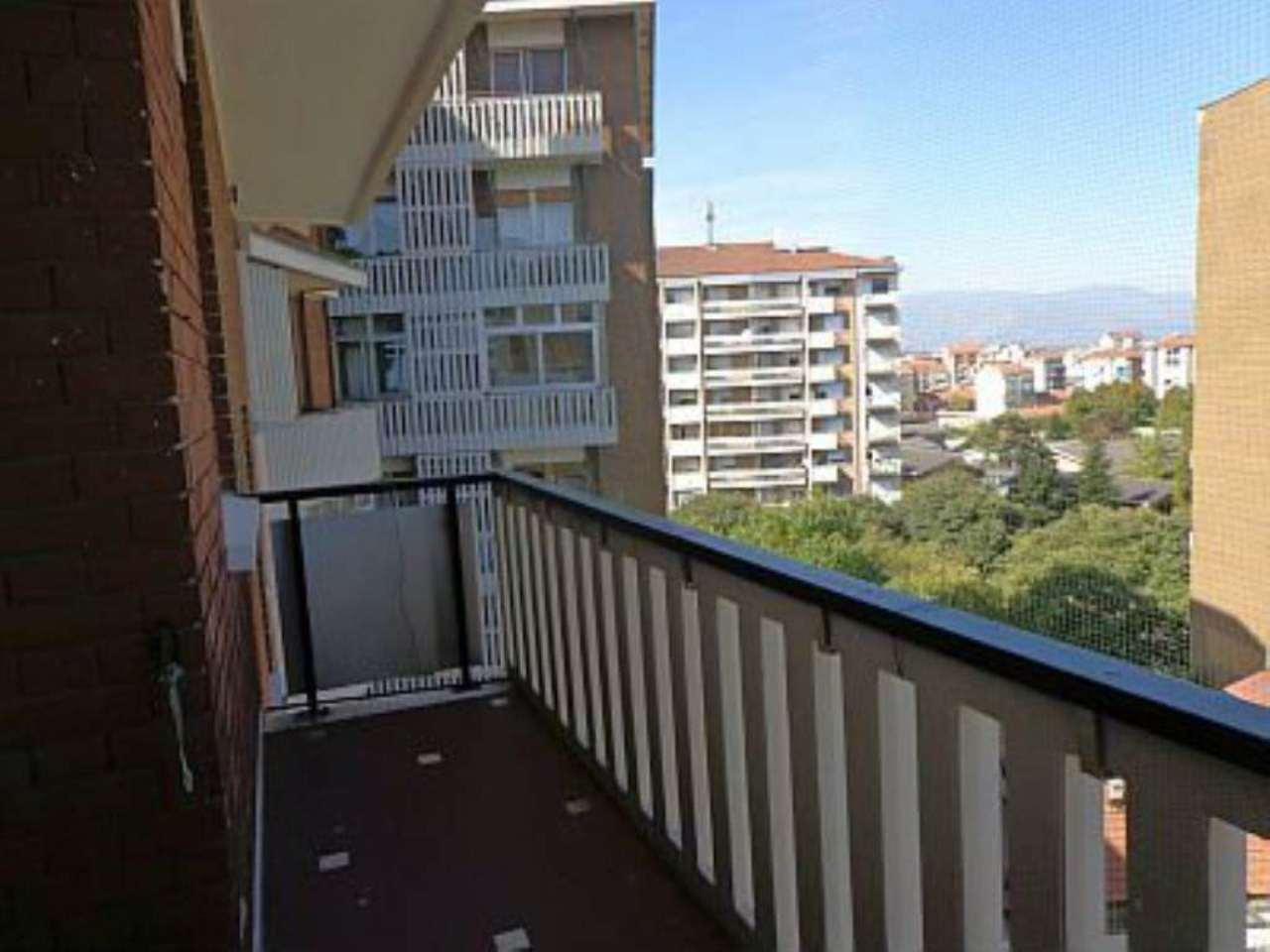 Bilocale Torino Corso Telesio 11