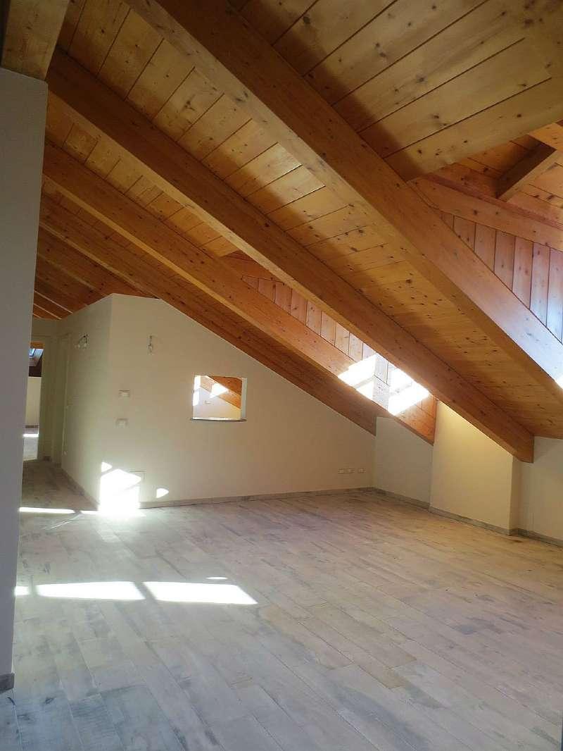 Appartamento in affitto a Pecetto Torinese, 6 locali, prezzo € 2.000 | Cambio Casa.it