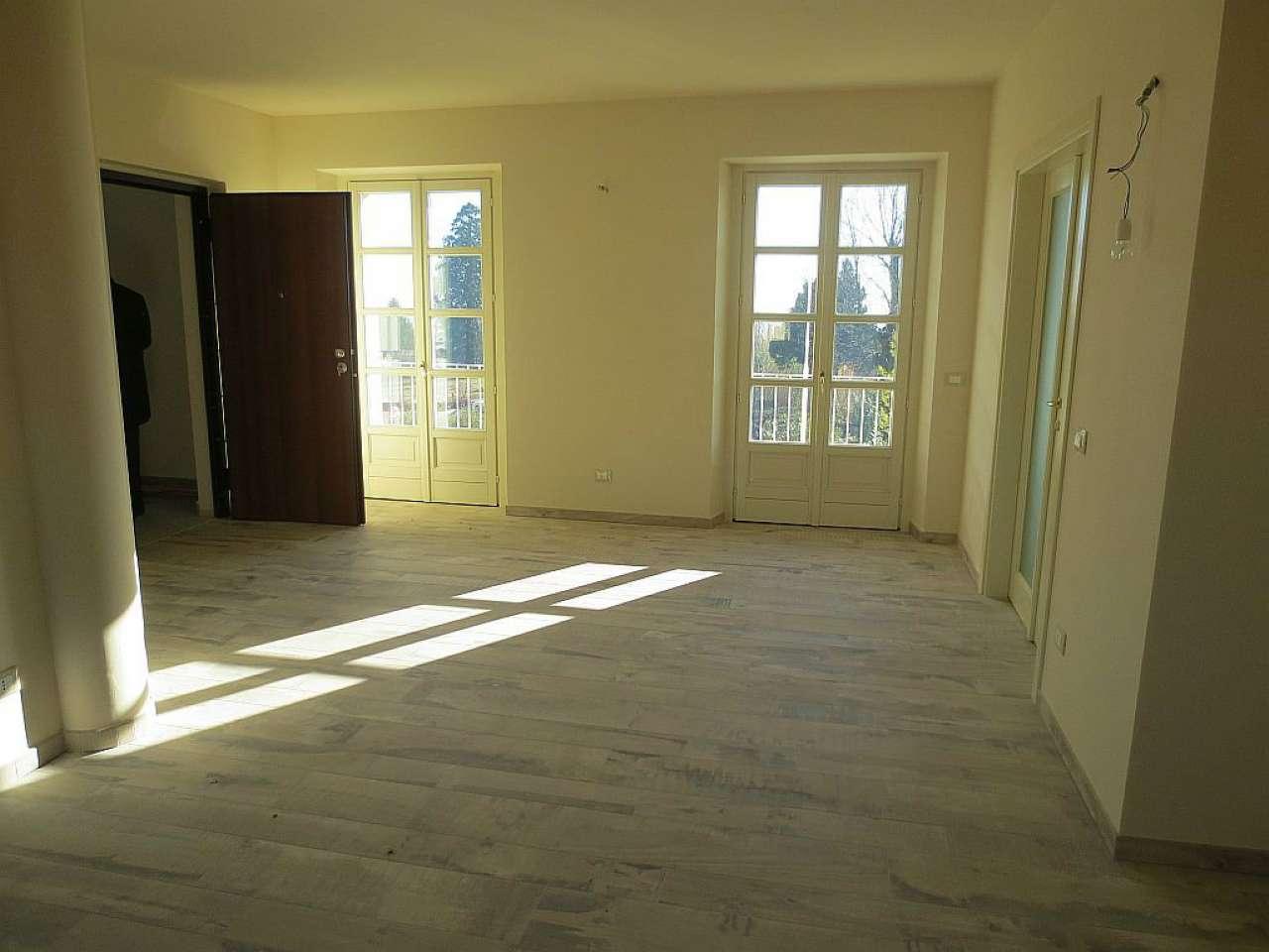 Appartamento in affitto a Pecetto Torinese, 6 locali, prezzo € 1.800 | Cambio Casa.it