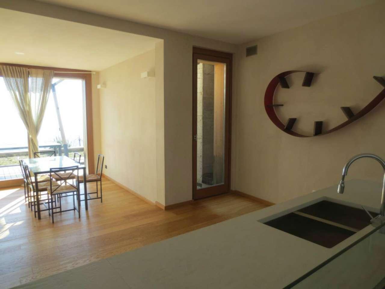 Villa in affitto a Moncalieri, 7 locali, prezzo € 2.000 | CambioCasa.it
