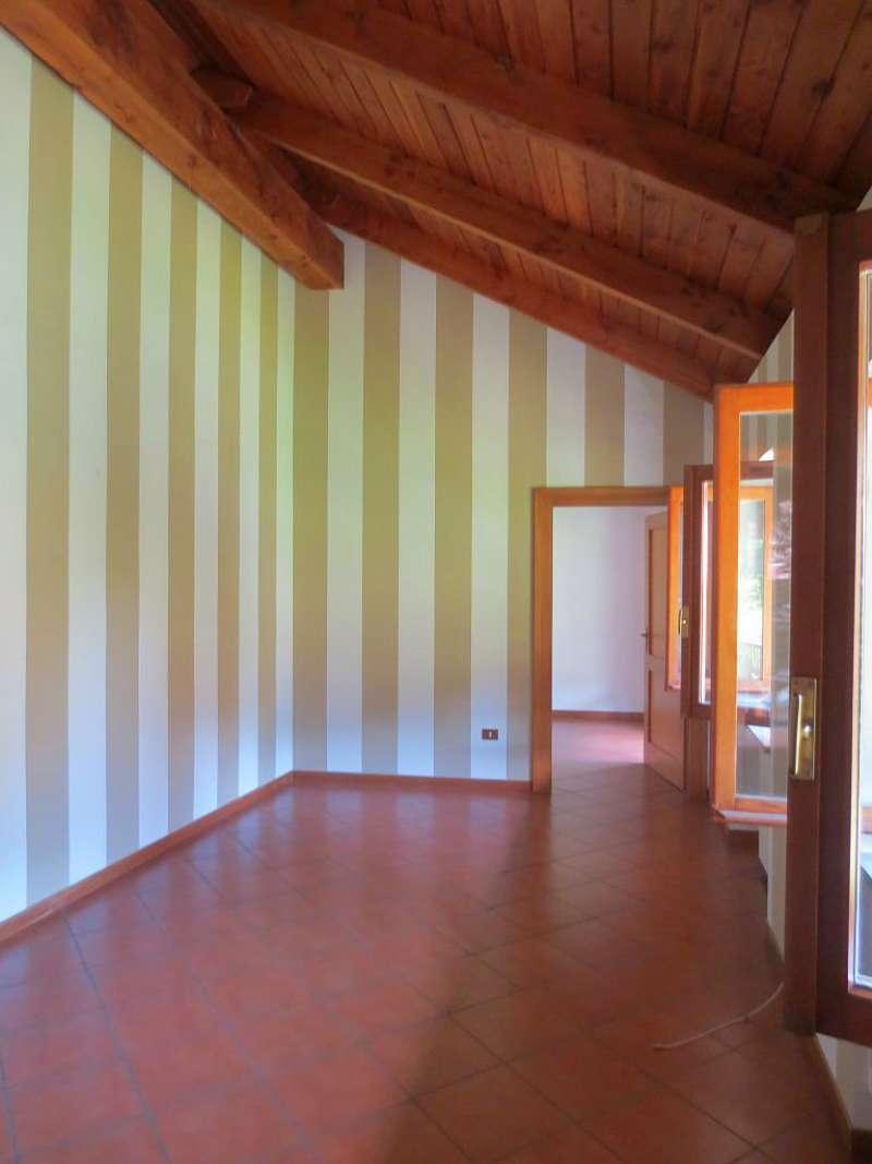 Villa in affitto a Torino, 7 locali, zona Zona: 5 . Collina, Precollina, Crimea, Borgo Po, Granmadre, Madonna del Pilone, prezzo € 1.600 | CambioCasa.it