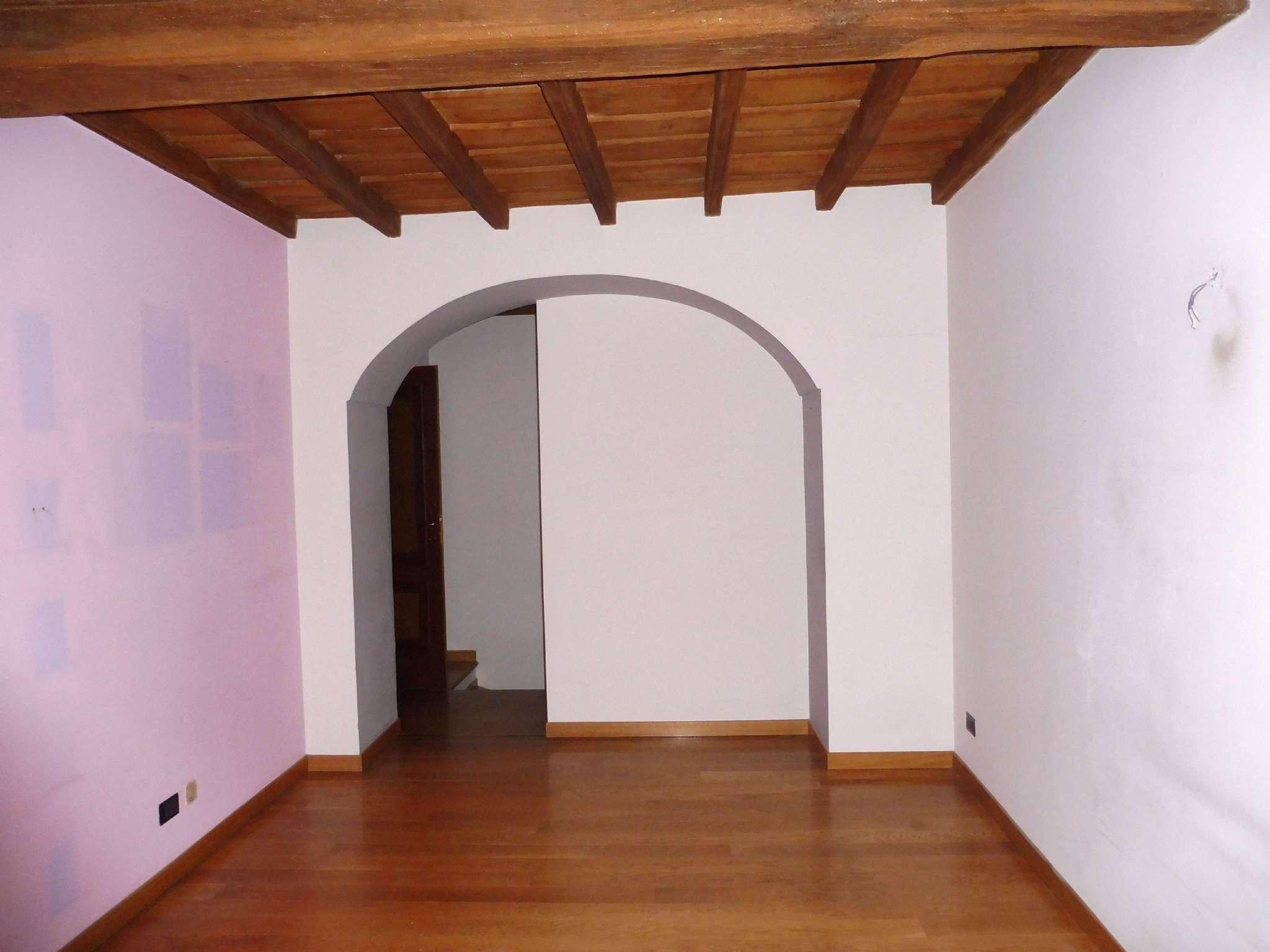 Foto 1 di Bilocale via Palazzo di Città 21, Torino (zona Centro)