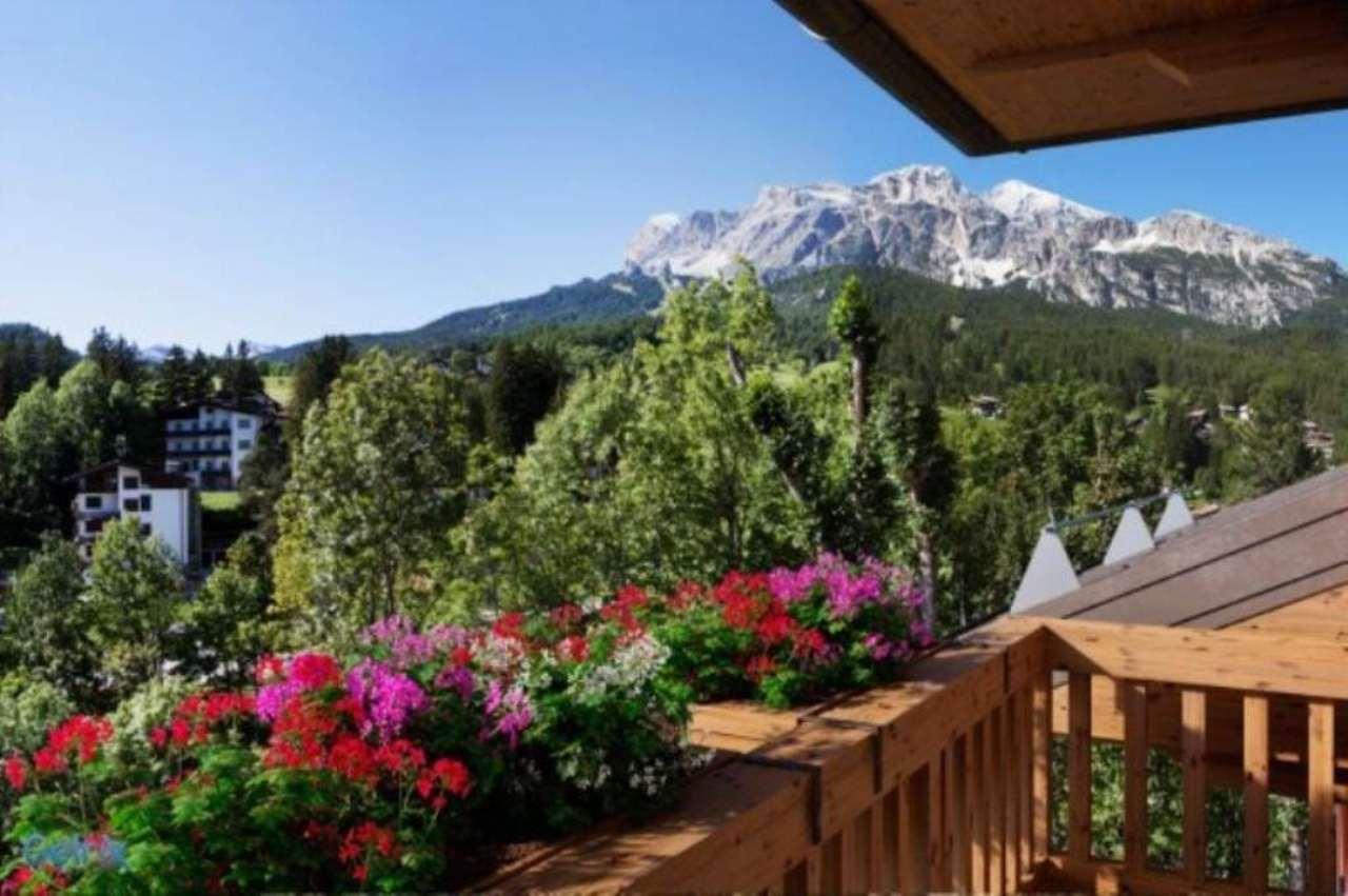 Attico / Mansarda in vendita a Cortina d'Ampezzo, 5 locali, Trattative riservate | Cambio Casa.it
