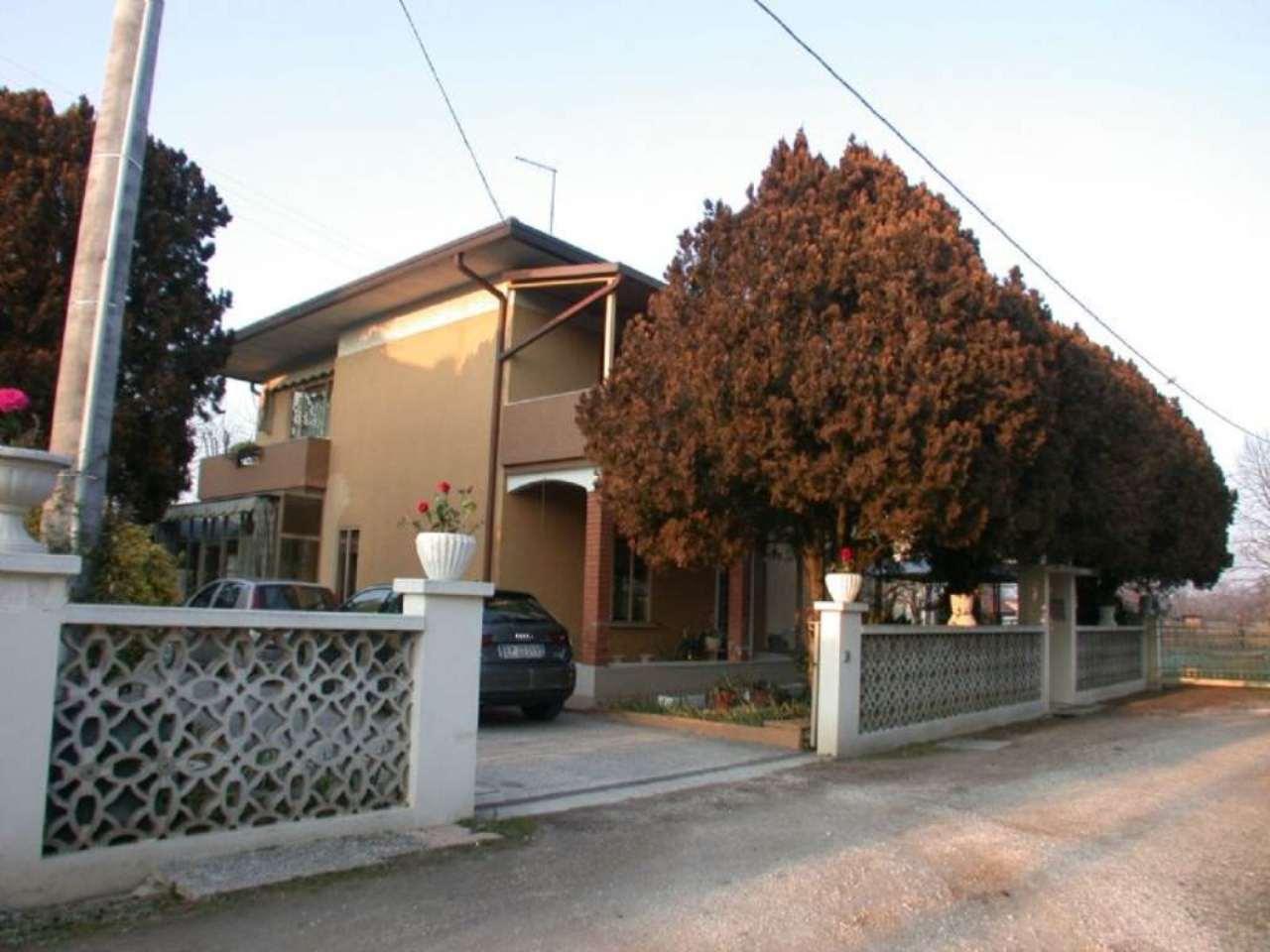 Soluzione Indipendente in vendita a Paese, 7 locali, prezzo € 210.000 | Cambio Casa.it