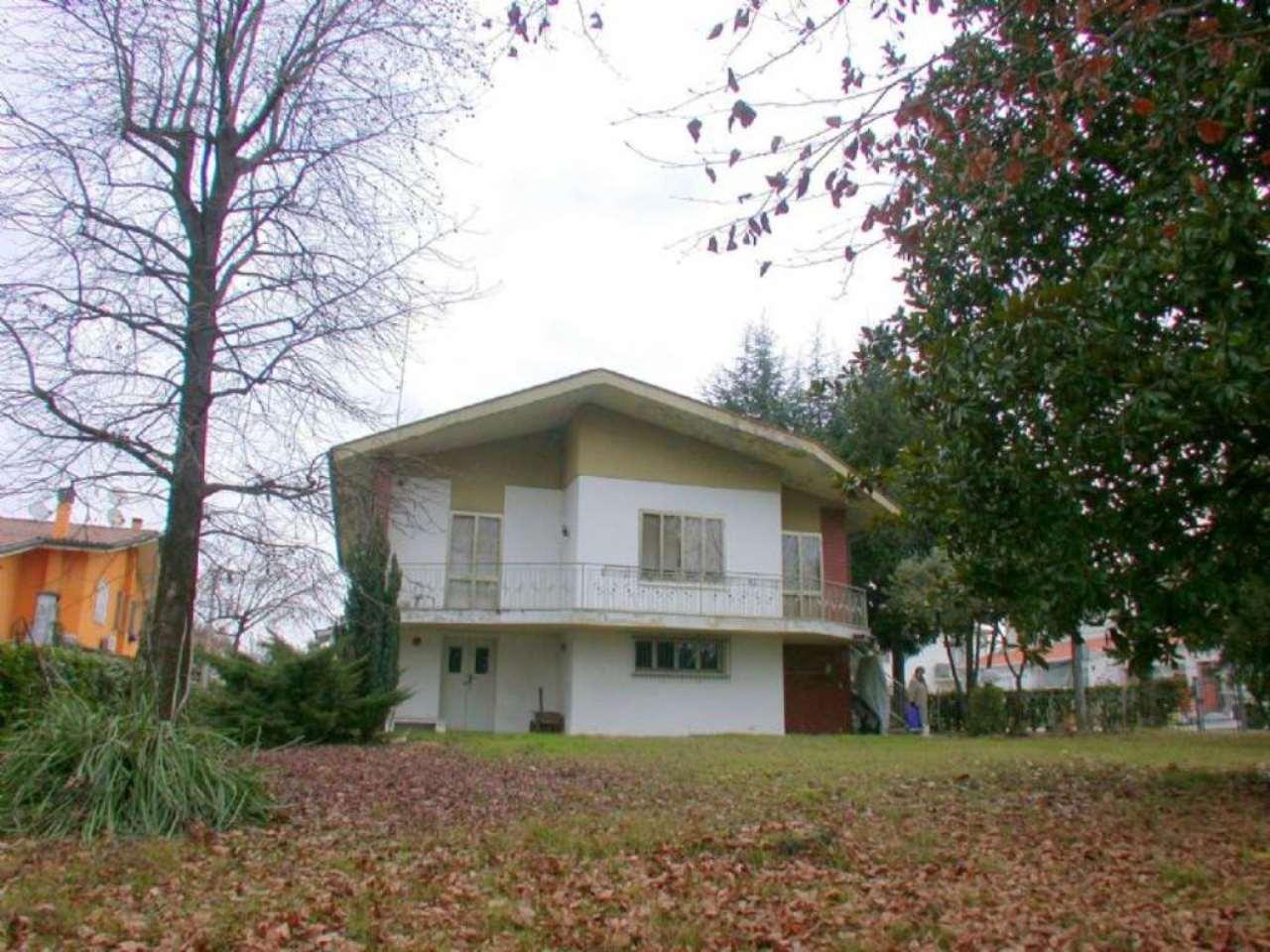 Soluzione Indipendente in vendita a Silea, 10 locali, prezzo € 250.000 | Cambio Casa.it