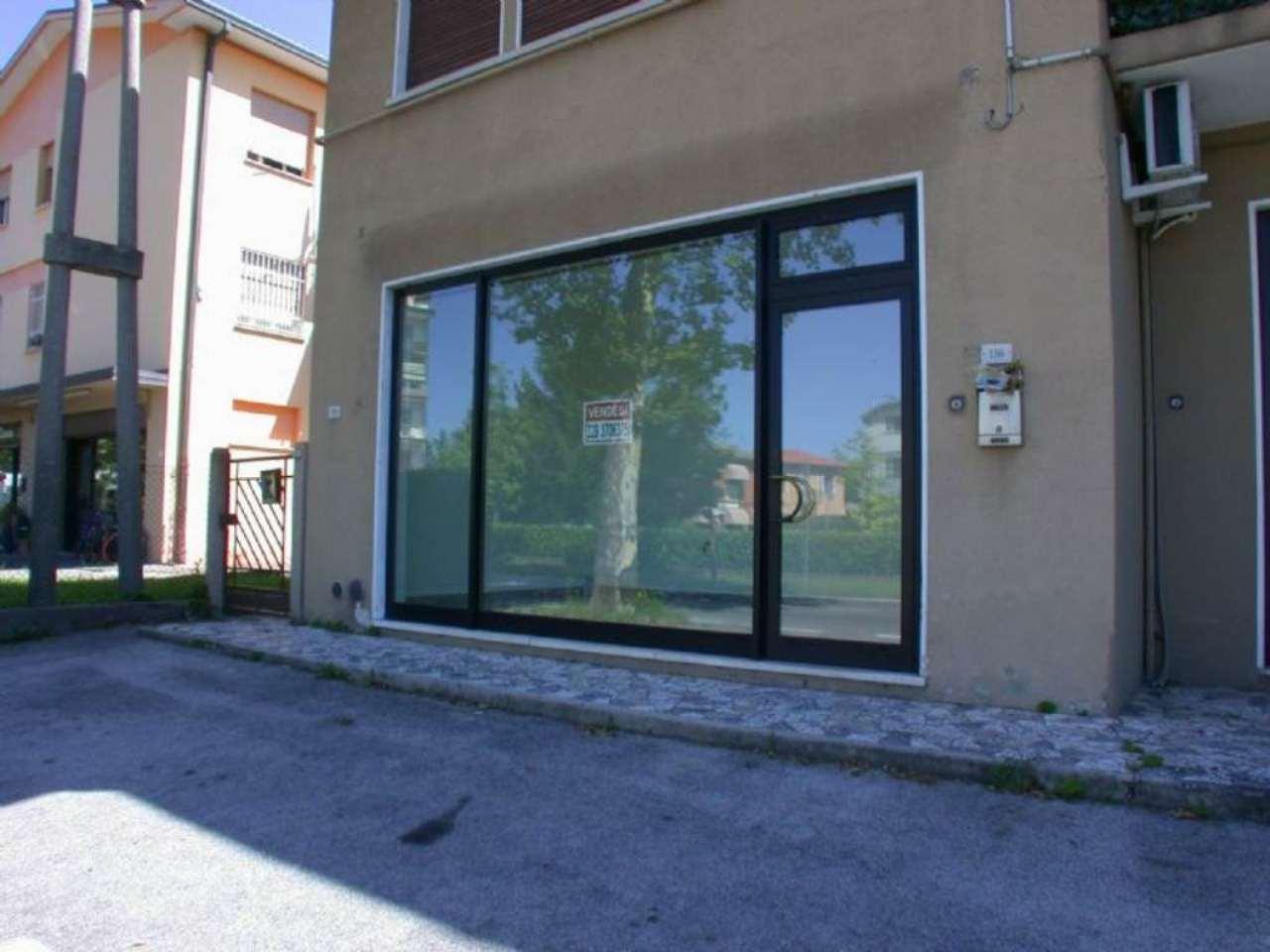 Negozio / Locale in vendita a Treviso, 2 locali, prezzo € 40.000   Cambio Casa.it