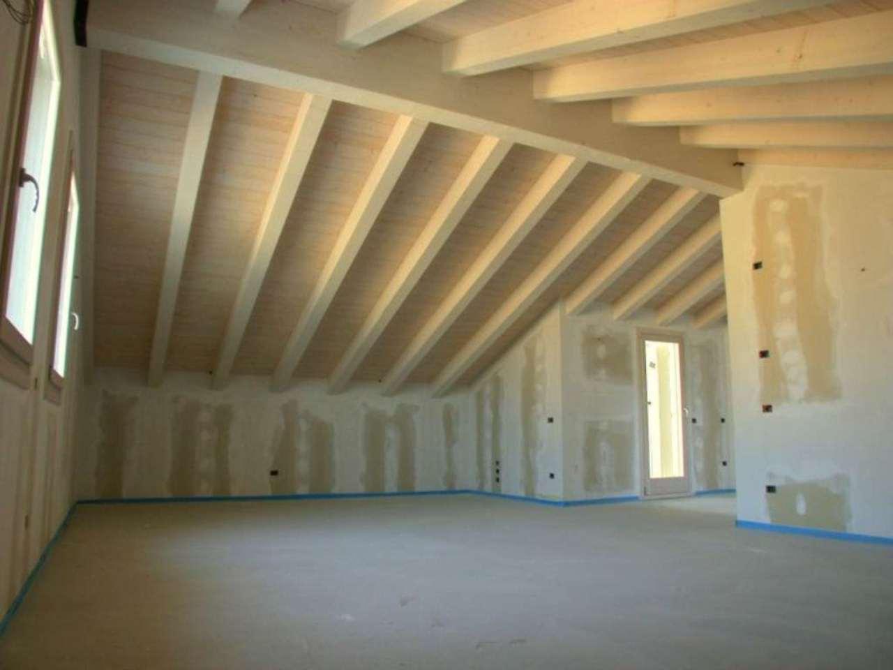 Appartamento in vendita a Quinto di Treviso, 6 locali, prezzo € 220.000 | Cambio Casa.it