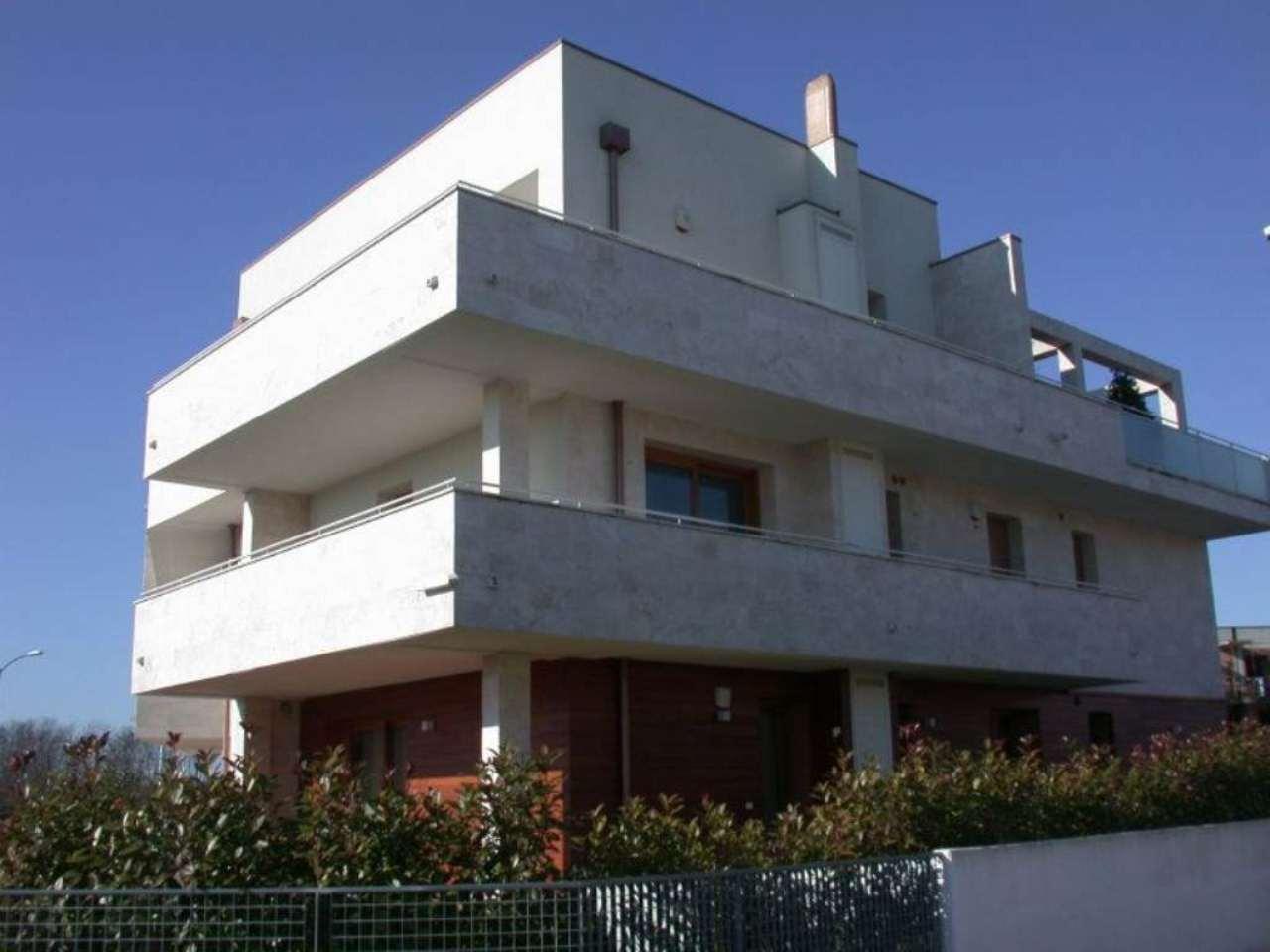 Bilocale Treviso Via S .elena Imperatrice 9
