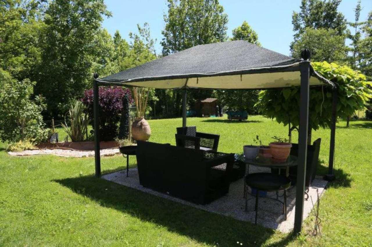 Rustico / Casale in vendita a Treviso, 8 locali, Trattative riservate | CambioCasa.it