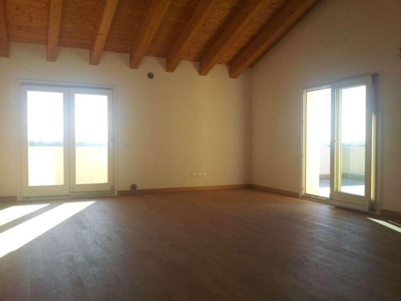 Attico / Mansarda in vendita a Ponzano Veneto, 5 locali, prezzo € 275.000 | Cambio Casa.it