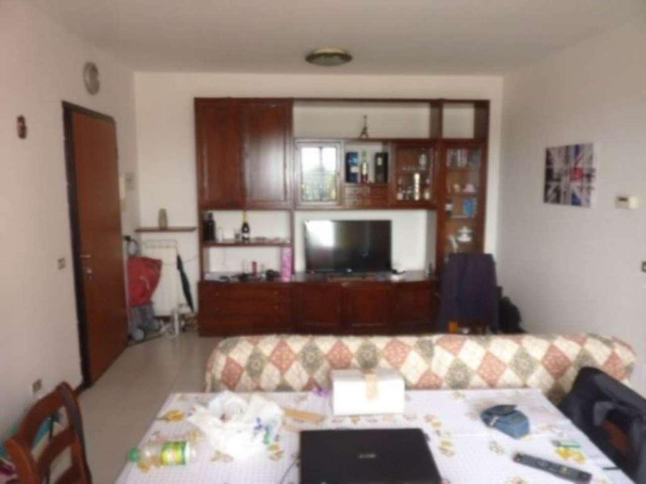 Bilocale Linarolo Via Cardano 1