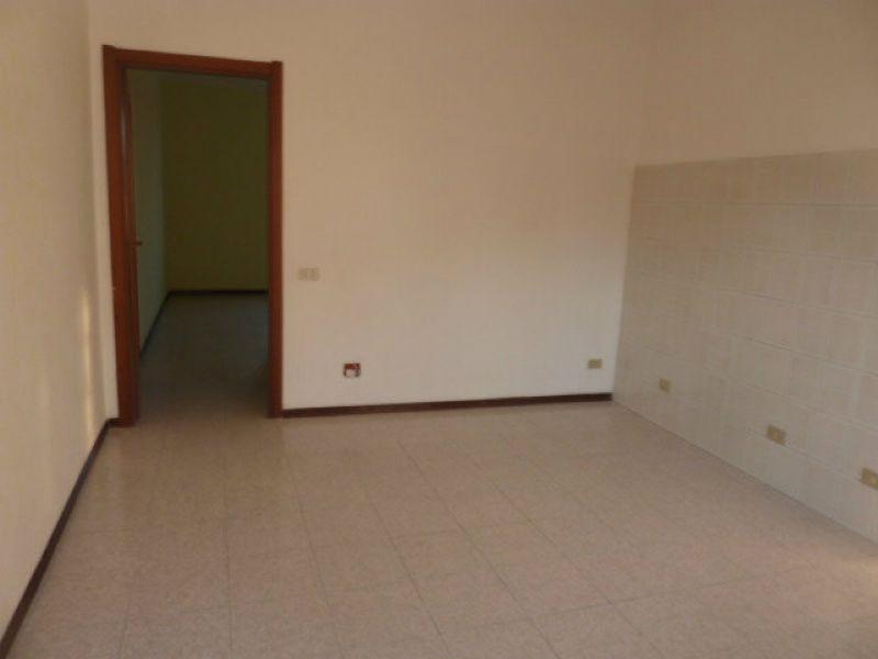 Bilocale Pavia Corso Garibaldi 1