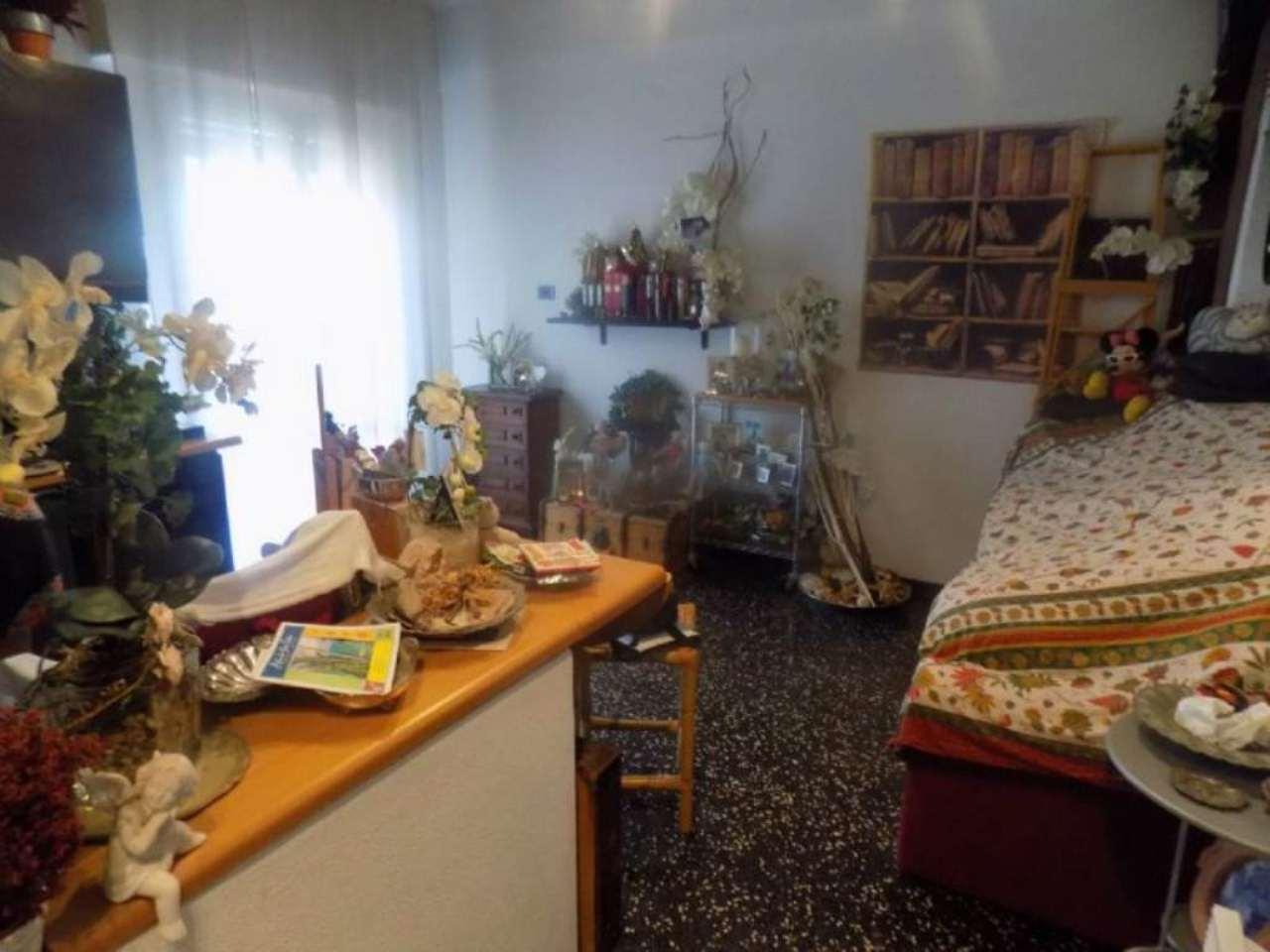 Bilocale Genova Via Isonzo 5