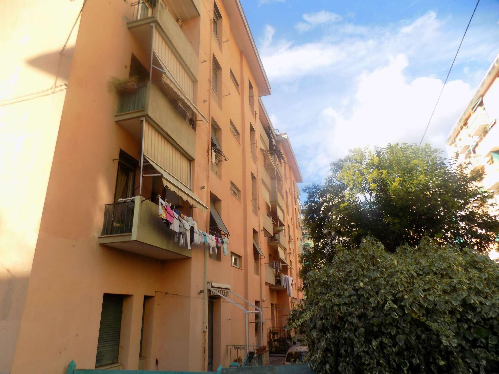 Bilocale Genova Via Isonzo 1