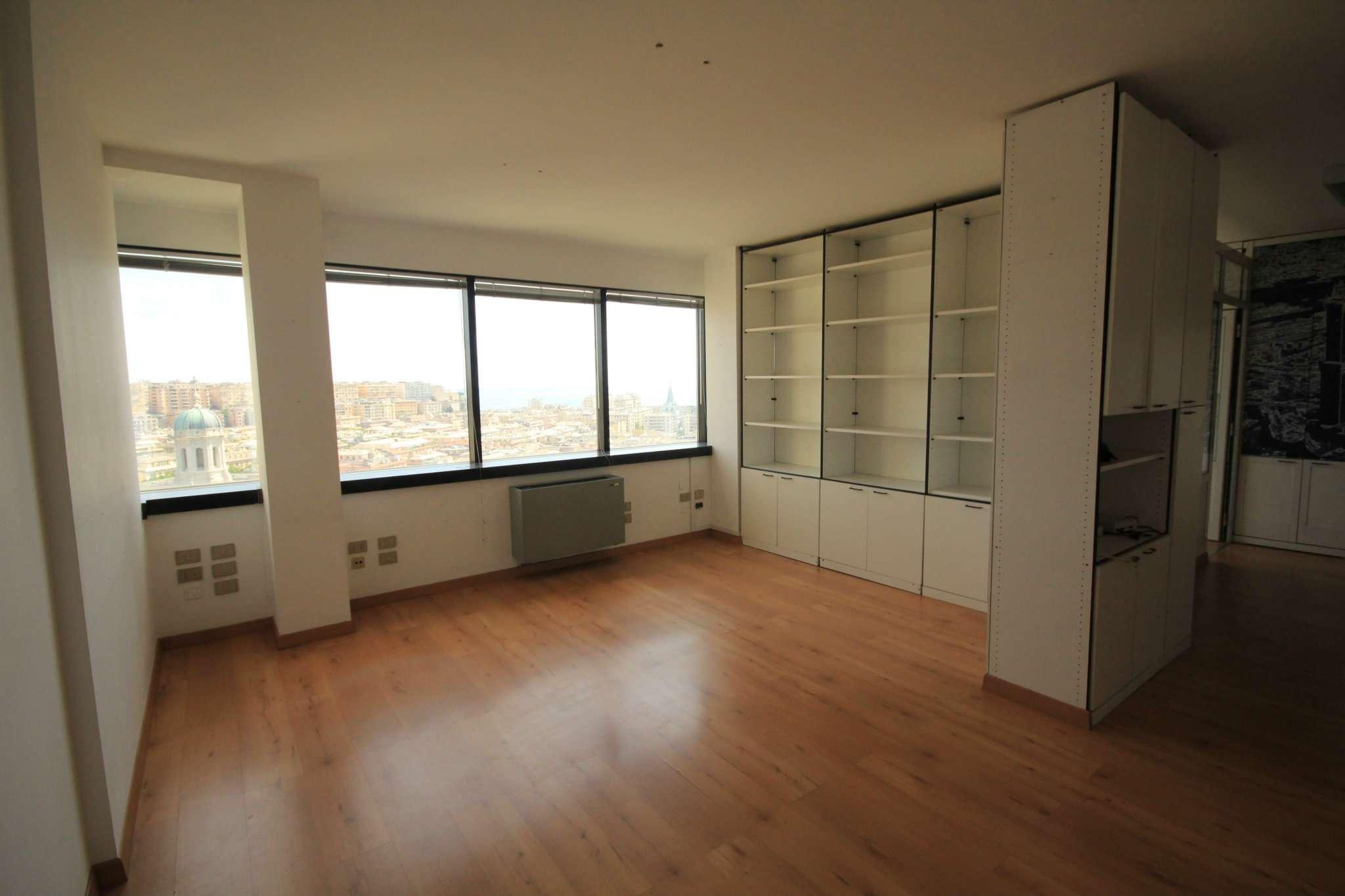 Ufficio-studio in Affitto a Genova Centro: 3 locali, 55 mq
