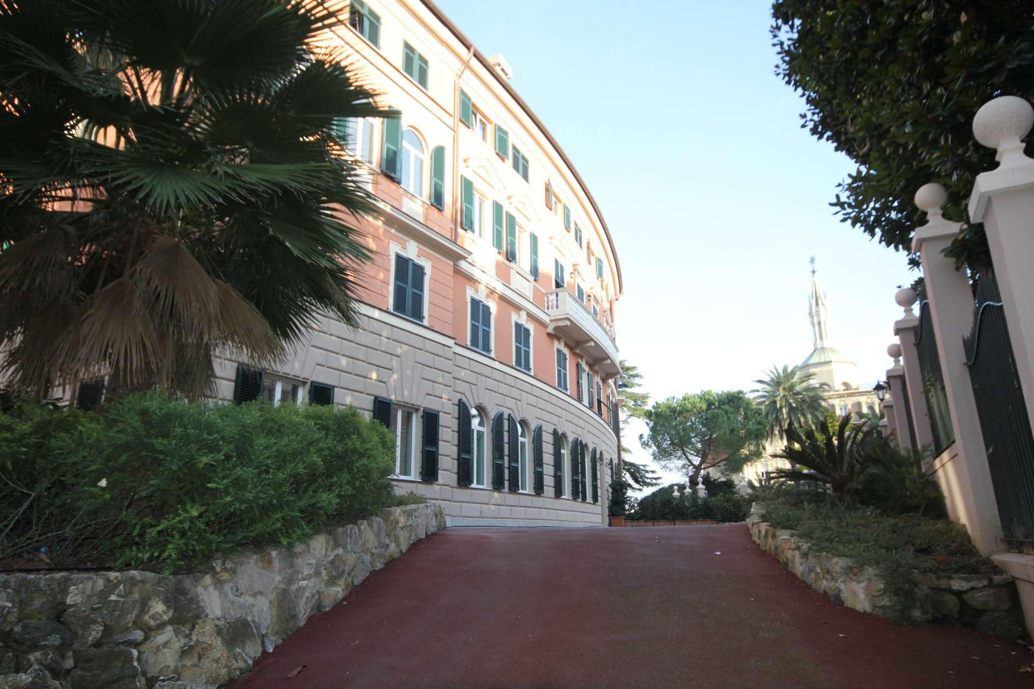 Appartamento in Vendita a Genova Centro: 5 locali, 210 mq