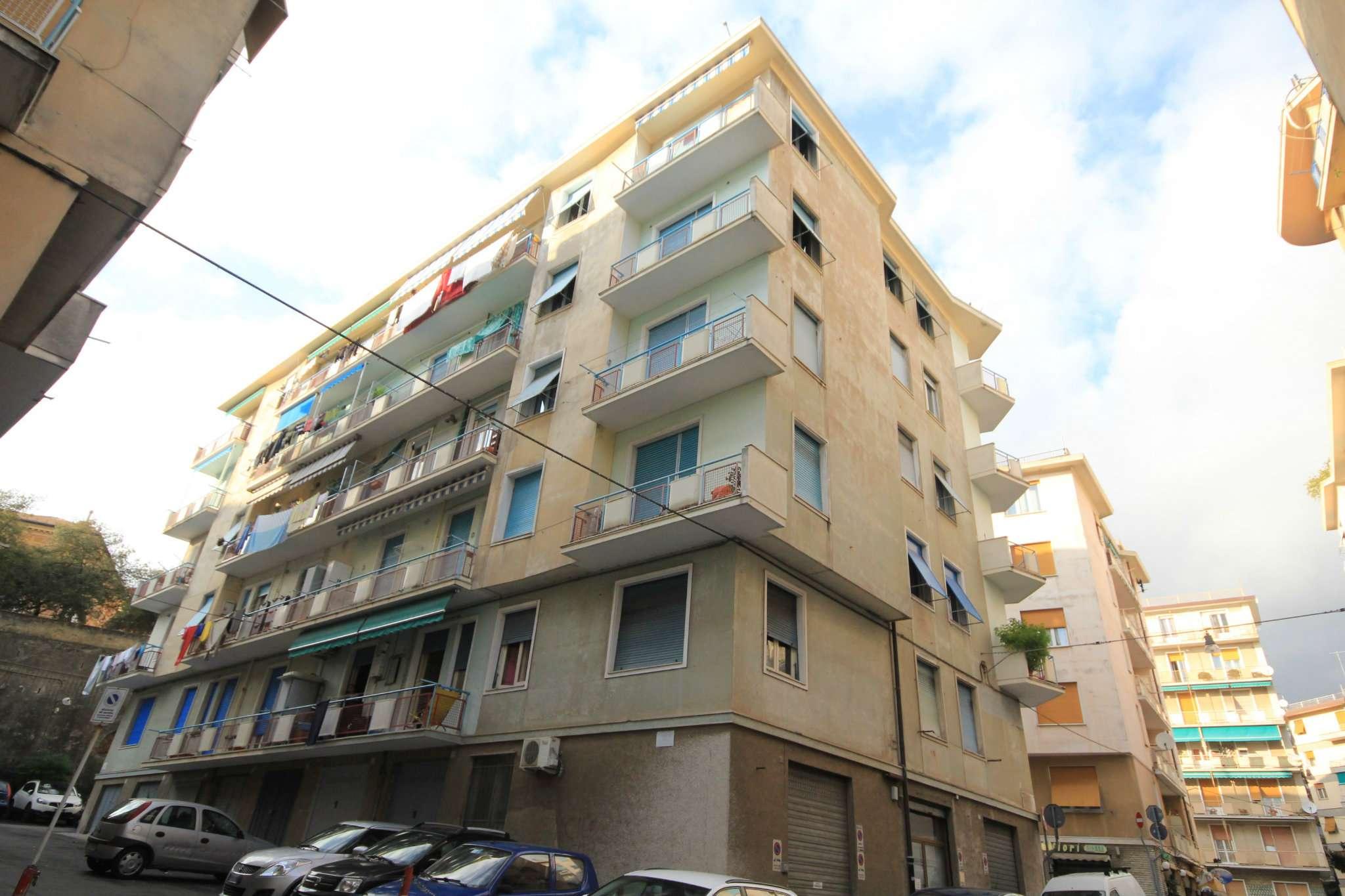 Appartamento in Vendita a Genova Periferia Ovest: 4 locali, 90 mq