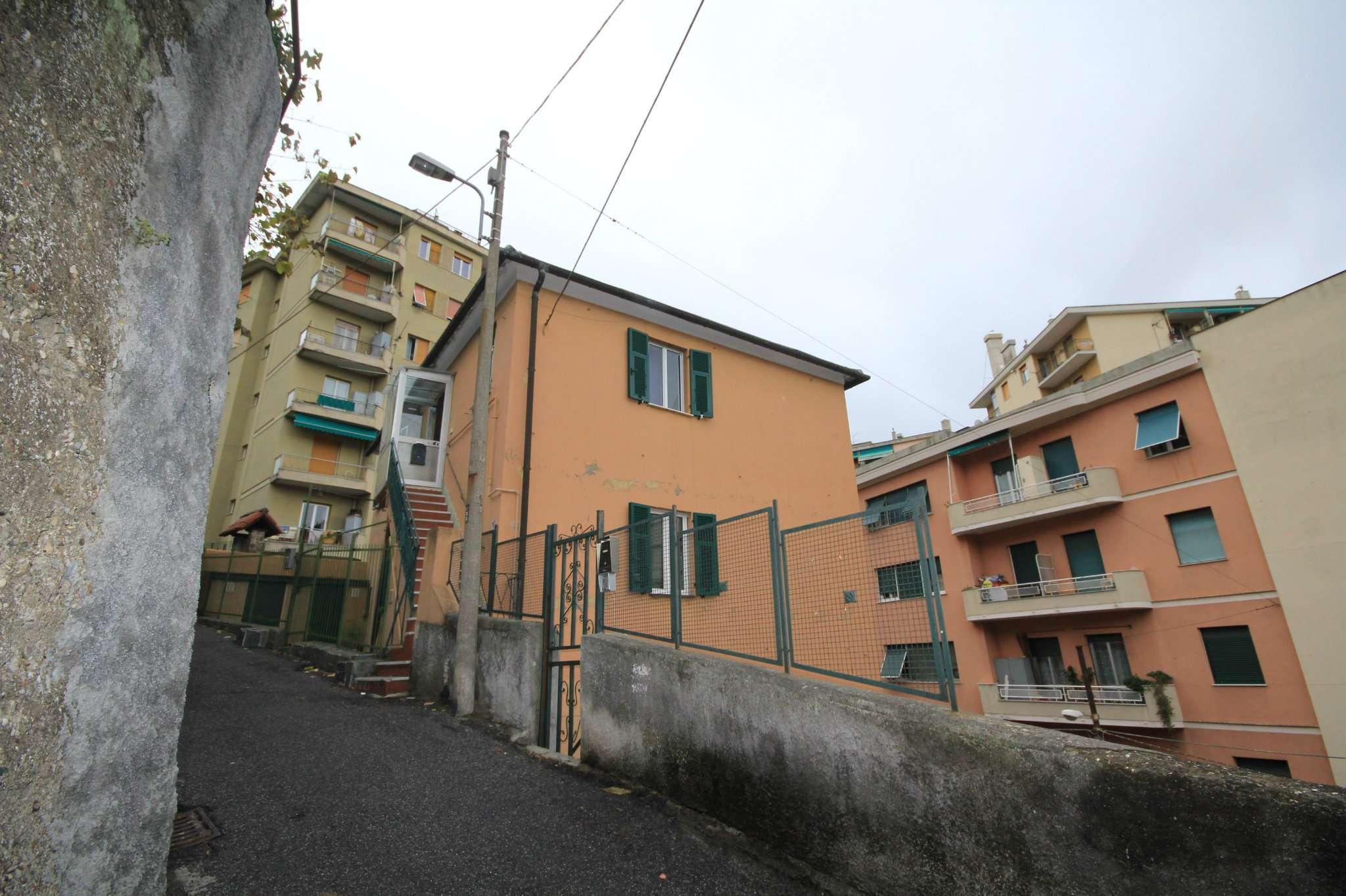 Appartamento in Vendita a Genova Periferia Nord: 5 locali, 85 mq