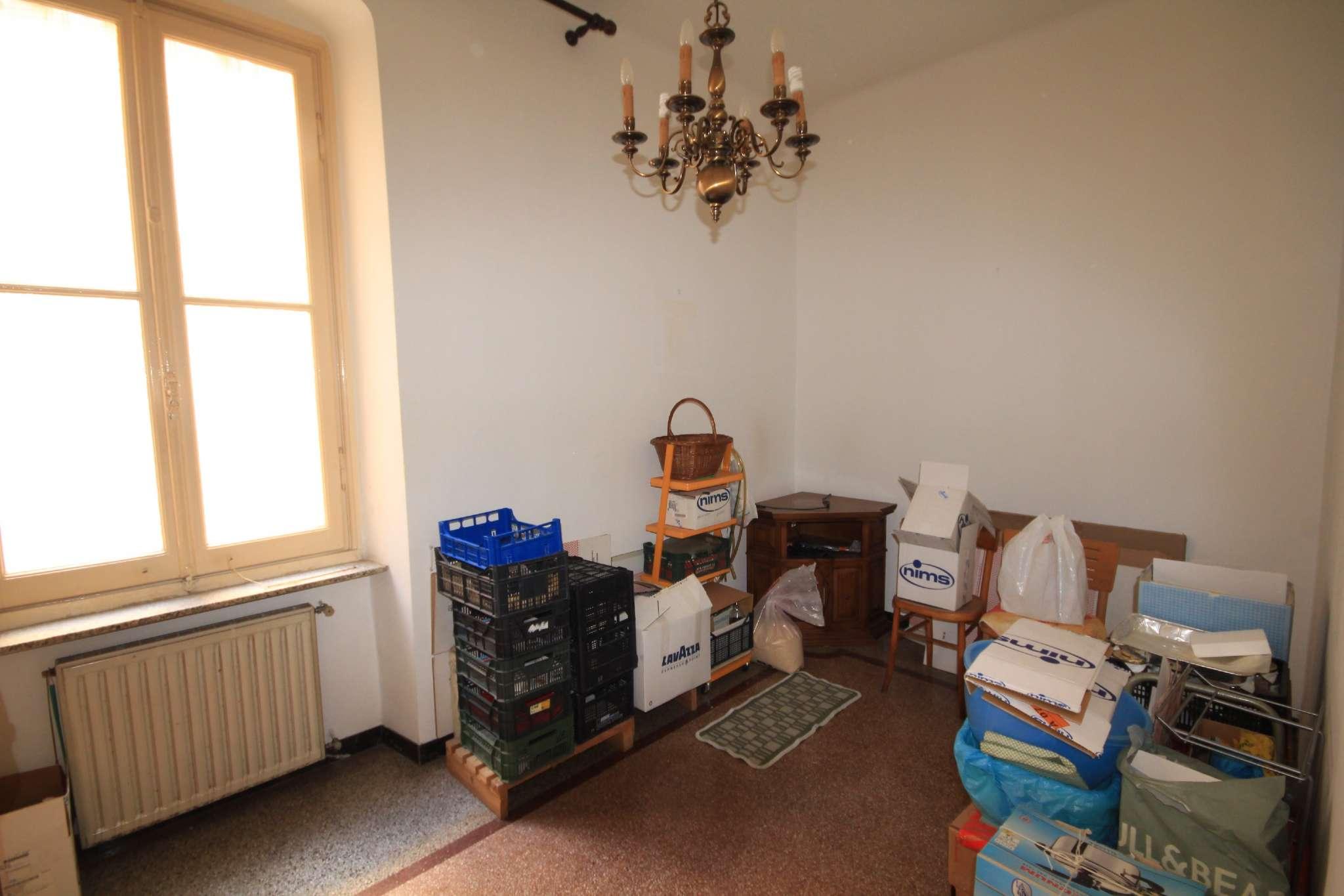 Appartamento in Vendita a Genova Periferia Ovest: 5 locali, 90 mq