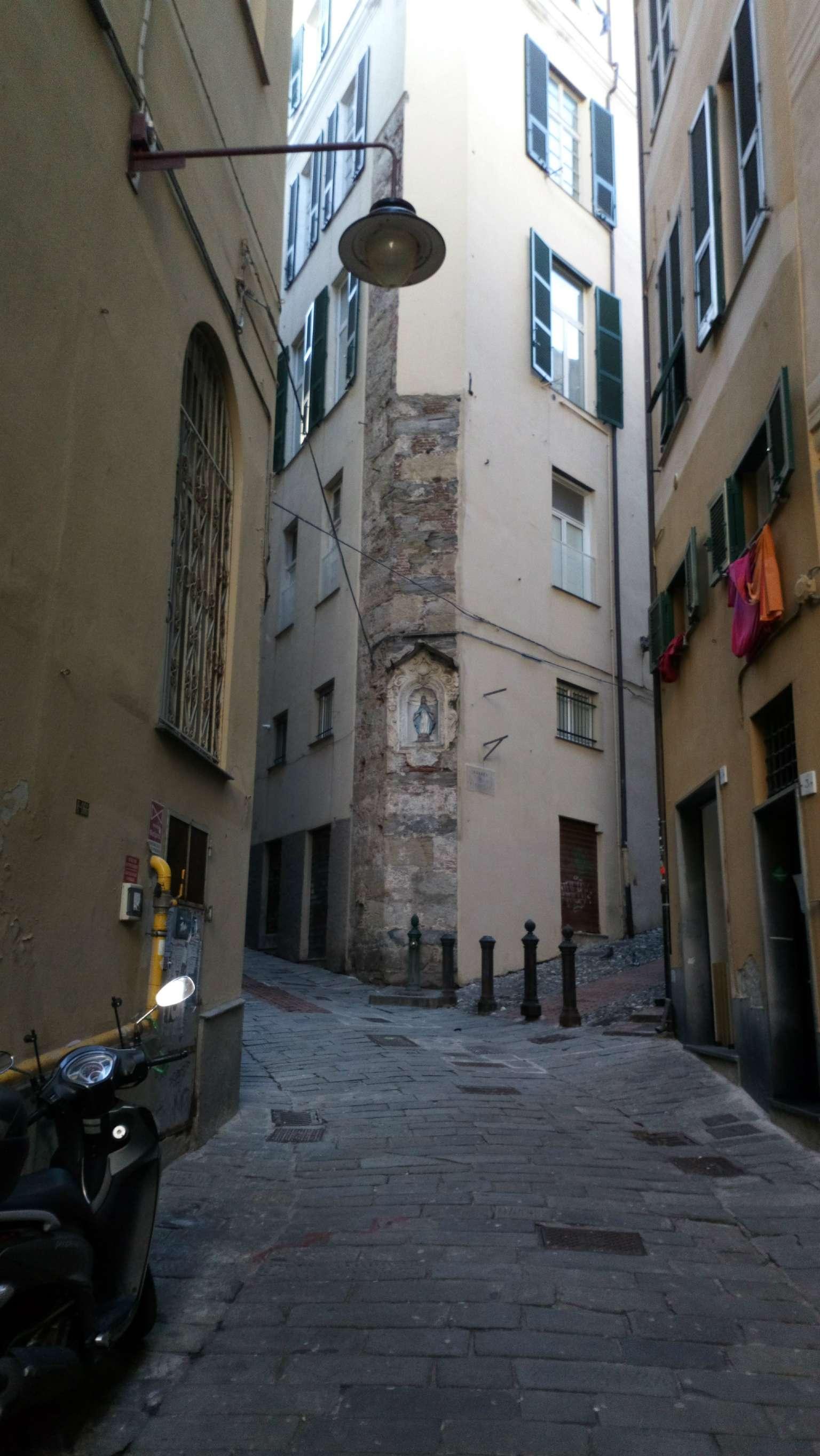 Appartamento in Vendita a Genova Centro: 2 locali, 50 mq